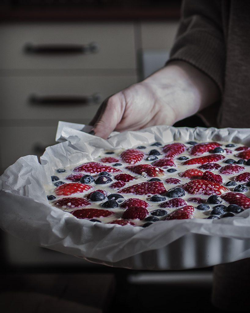 Preparación tarta de frutos rojos