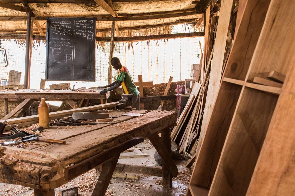 Carpintería en Nariokotome