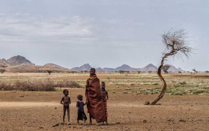 Familia nómada en Turkana