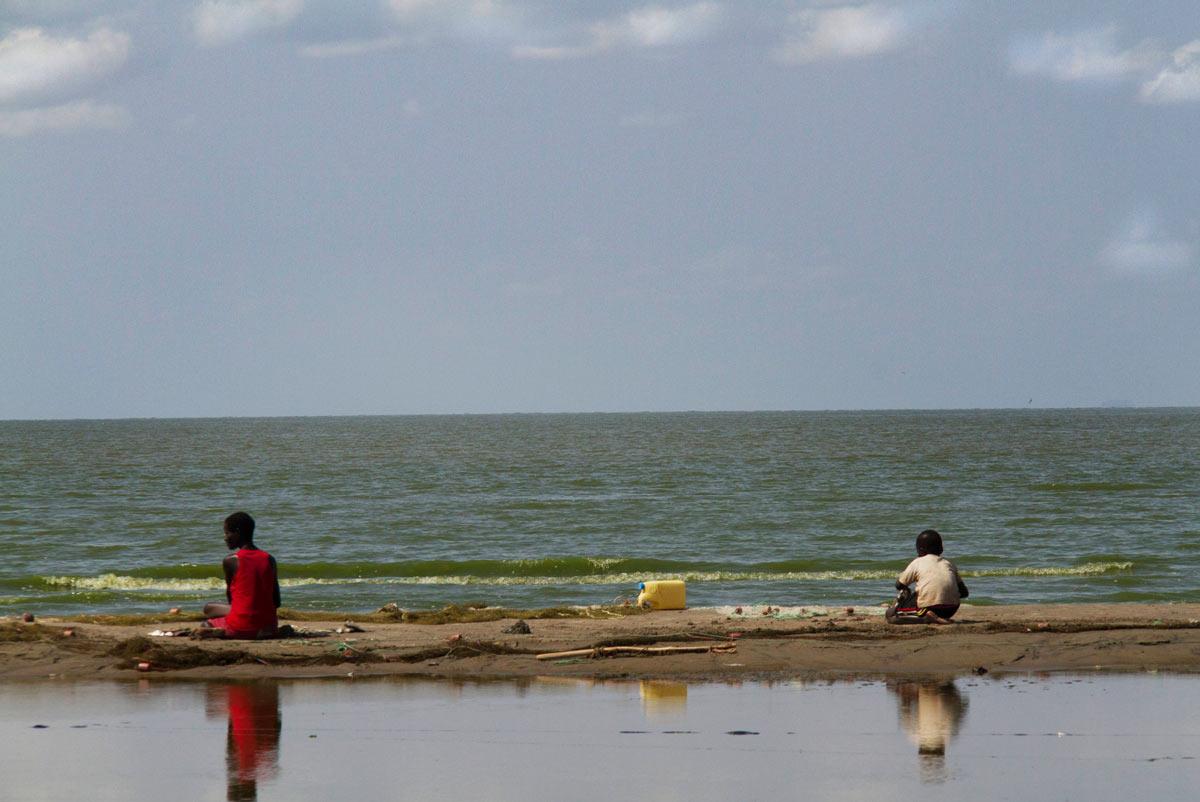 Lago Turkana madre y niño