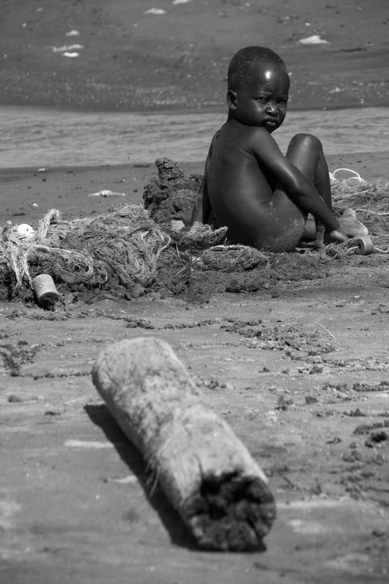 Lago Turkana niño en la red