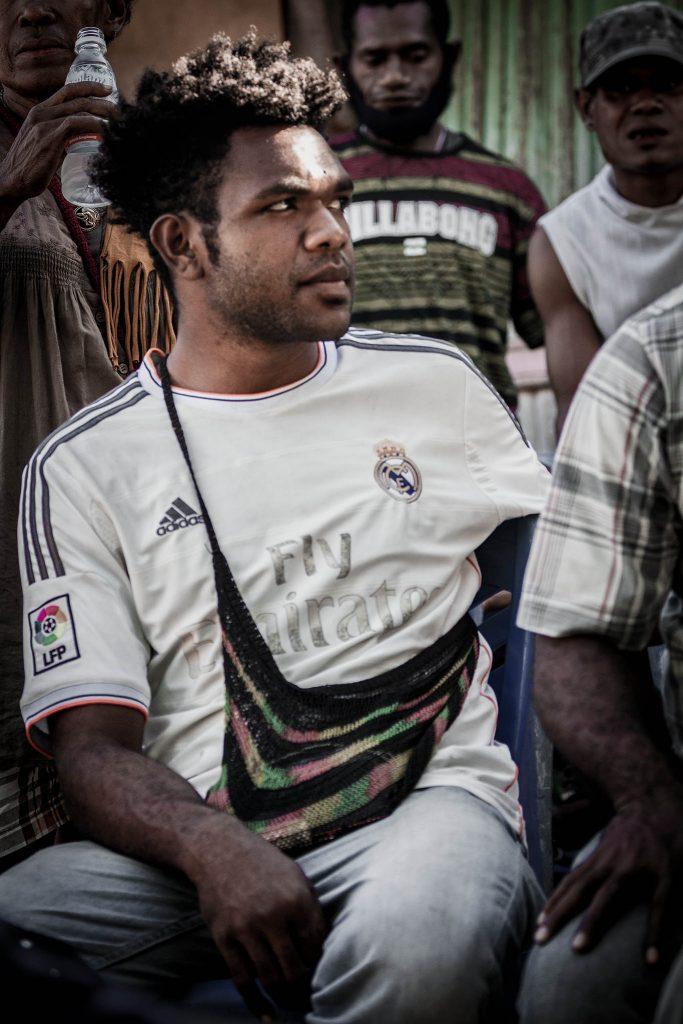 Hombre Papua tradiciones