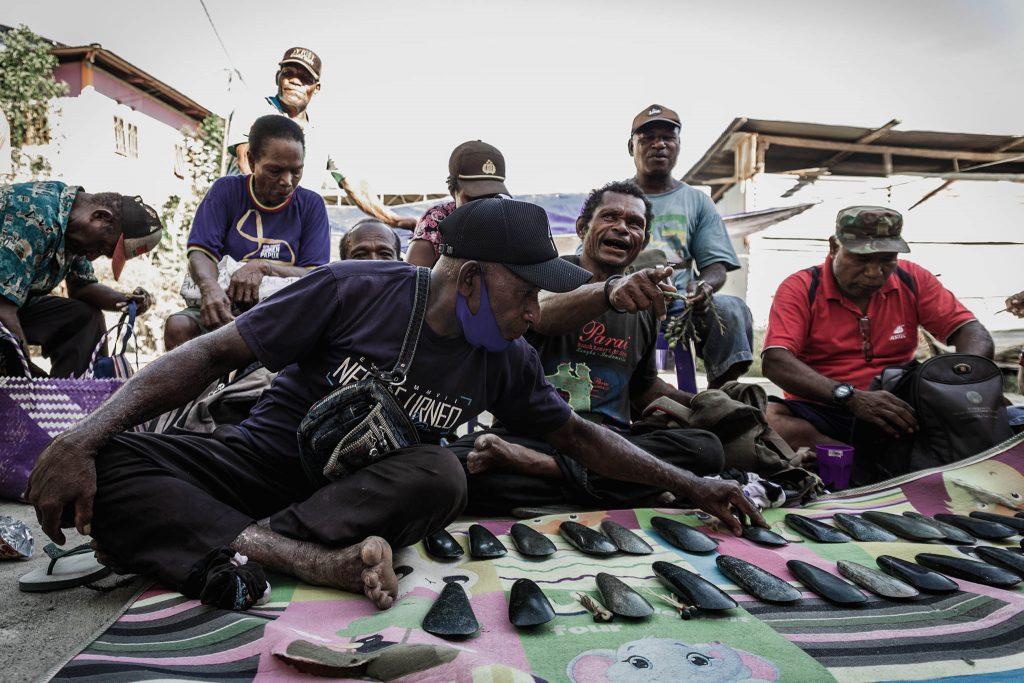 Piedra de jade negro Papua precio de la novia
