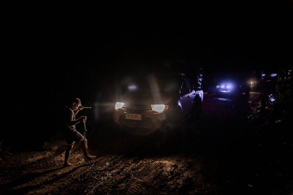 Pista noche en Papua