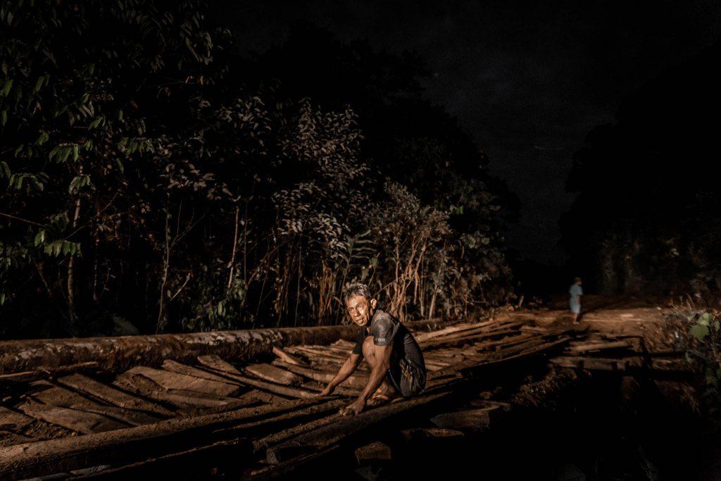 Puente noche Papua rio