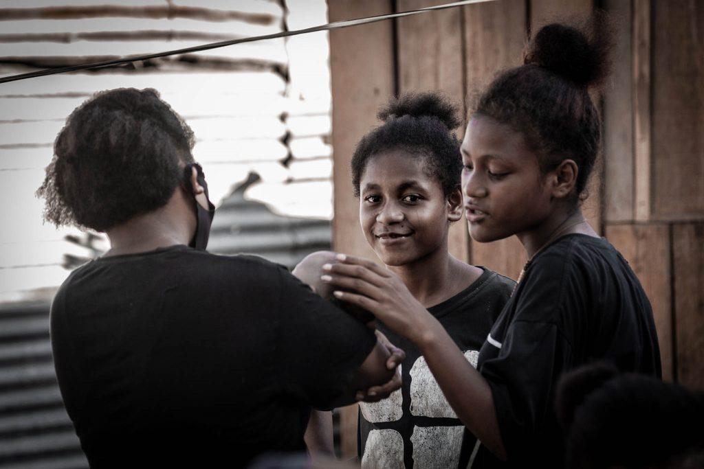Sociedad papuana niñas Papua